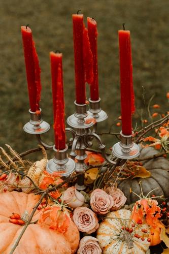décoration de table de mariage automne, bougies et chandelier